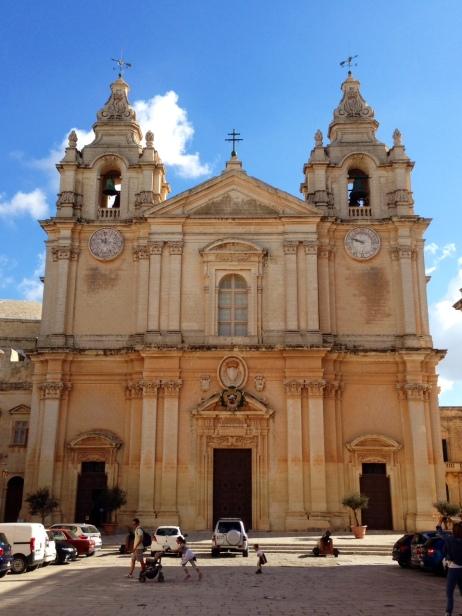 Die wunderschne Kathedrale von St. Peter und Paul.