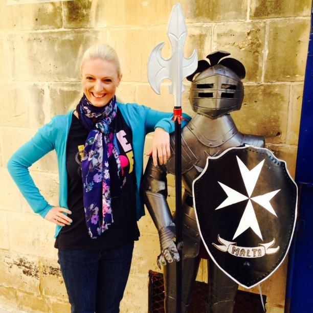 Frances & ein Malteser Ritter